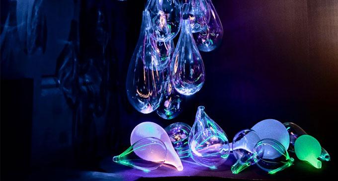 Judiska Teatern donerar glaskonstverk till Scenkonstmuseet.